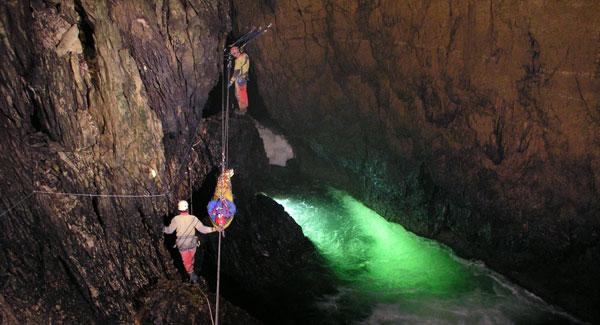 Exercice secours à la grotte de Vallorbe