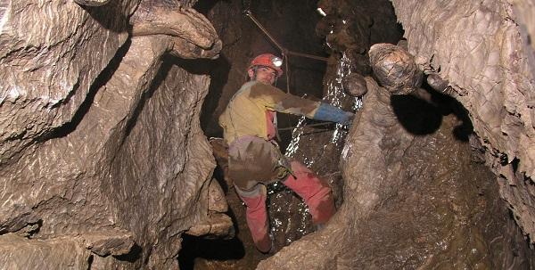 Les cavités et les puits les plus profonds de Suisse romande